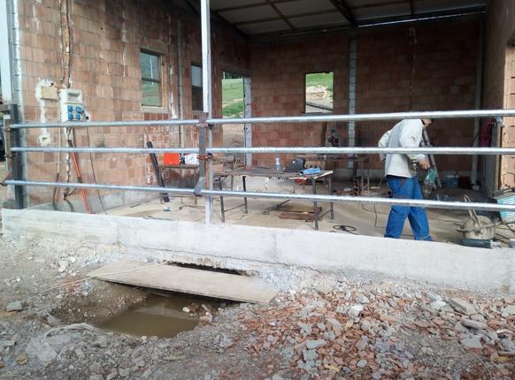 Dal diario di Massimo: a Leskoc iniziano i lavori per la stalla
