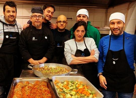 I volontari della Fondazione alla mensa Caritas di Foligno
