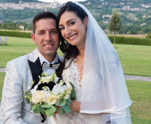 Insieme a Sara e Daniele nel giorno del loro matrimonio